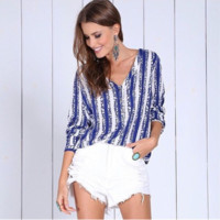 Loose 3/4 Sleeve V Neck Shirt