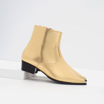 GOLD TONE FLAT ANKLE BOOTS