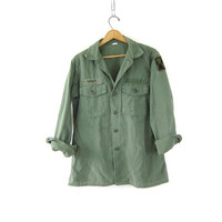 Army Shirt men's Military Patch jacket button up drab green shirt jacket distressed Grunge Punk Hipster Fall Coat size Medium Large