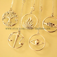 5pcs antique silver Divergent necklace (what you see what you get on picture)