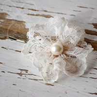Lacey Pearl Flower bobby pins from VioletsBuds