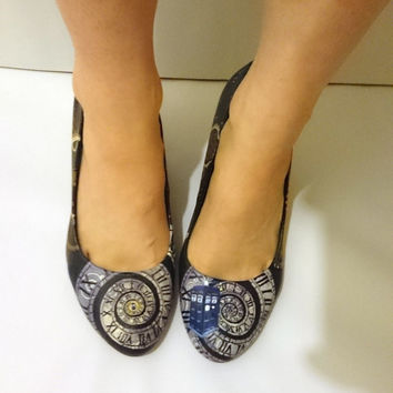 Doctor Who Steampunk Tardis high heel shoes ladies - custom Hand painted and made to order.