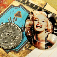 Marilyn Monroe Glass Oval Cabochon 37mm x 29mm. Great for all DIY Projects