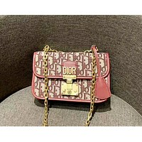 Dior 2019 new d word canvas embroidery messenger bag letter lock chain bag red