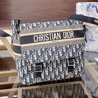 Dior embroidered knitted canvas shoulder bag messenger bag