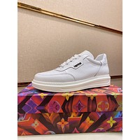 LV  Men Fashion Boots fashionable Casual leather Breathable Sneakers Running Shoes01