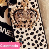 New Chic Furry White Leopard Pattern Pearls Crown iPhone Cas
