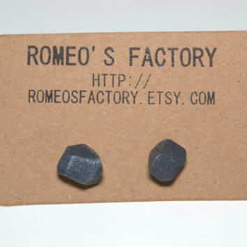 Geometric grey clay bead earrings