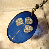 Clover leaf necklace, plant jewellery, leaf jewelry, nature, green, blue,