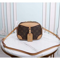 LV Louis Vuitton WOMEN'S MONOGRAM CANVAS DEAUVILLE INCLINED SHOULDER BAG