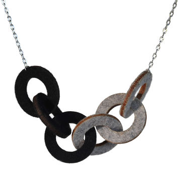 Wool felt small six-ring necklace