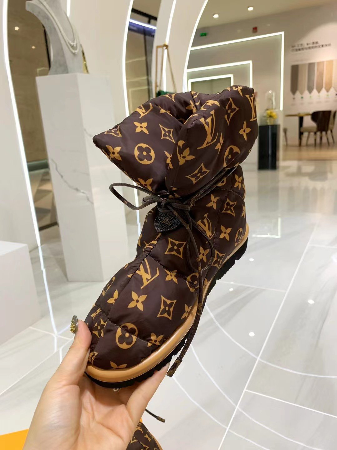 Image of Louis Vuitton LV Women Leather High Boots Shoes 0728