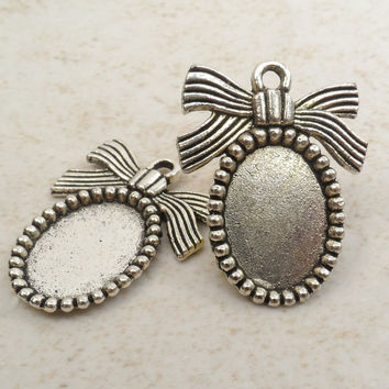 5 Oval Frame Charm, Pendant Blank, Picture Frame, Tibetan Silver, 20 mm x 25 mm  C45