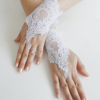 Free Ship, Bridal Glove, white, silver-embroidered lace gloves, Fingerless Gloves, cuff wedding bride, bridal gloves, ivory,
