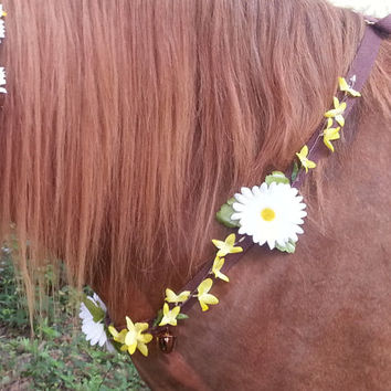 Yellow Forsythia and Daisy Equine Necklace - Rhythm Beads Horse Necklace - Equine Costume