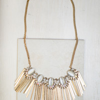 Drop The Curtain Necklace