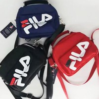 FILA 2018 new crossbody shoulder bag chest bag hand business bag F0657-1