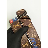 LV Louis vuitton sells casual lovers with printed letter-buckled belts