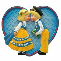 Party Favor Kitchen Magnet Swedish Kissing Couple