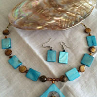 Mother of pearl set necklace earrings tiger eye beads glass beads shell beads turquoise brown Mother's Day Easter excellent gift