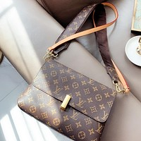 Hipgirls LV New fashion monogram leather shopping leisure shoulder bag crossbody bag