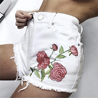 Fashion Flower Embroidery Shorts Jeans