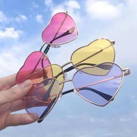 Women Heart Shape Sunglasses Metal Frame Reflective Lens Festival Lolita Style Fancy Party Eye wear Glasses Fashion New Sunglass