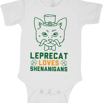 TooLoud Leprechaun Peeking Out of Faux Pocket Baby Romper Bodysuit