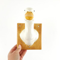 Vintage 1980s Ceramic Duck Wall Hook / Handmade Faux White Duck Taxidermy / Avian Bust Coat Hook / Towel Hanger / Wall Hanging