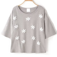 Flower Applique Detailed Grey Crop Top