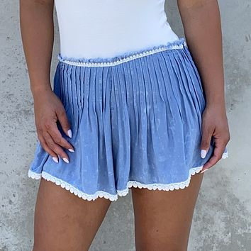 Picking Daisies Pleated Shorts
