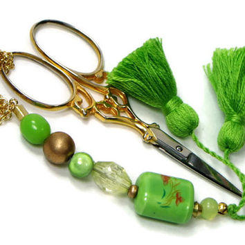 Scissor Fob, Apple Green, Quilting, Sewing, Cross Stitch, Beaded, Gift for Crafter, DIY Crafts, TJBdesigns