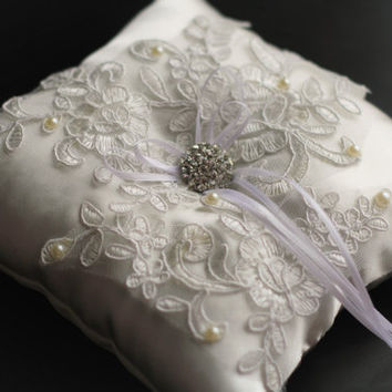 Ivory White Ring Bearer Pillow \ Lace Applique Ring Pillow Pearl Rhinestone Brooch Accent \ Ring Pillow Alternative \ Satin Ring Holder