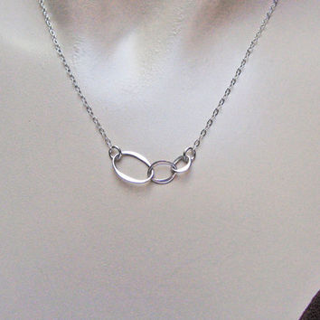 Circle Necklace, 925 Sterling Silver, 3 Sisters Necklace, Eternity Necklace, Delicate Jewelry, Mothers Necklace, Friendship Jewelry