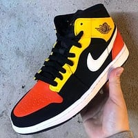NIKE Air jordan 1 Mid New fashion hook sports leisure shoes