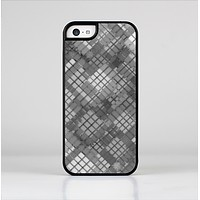 The Grayscale Layer Checkered Pattern Skin-Sert Case for the Apple iPhone 5c