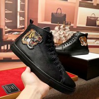 GUCCI 2018 new tiger head embroidery high to help casual men's shoes Martin boots Black
