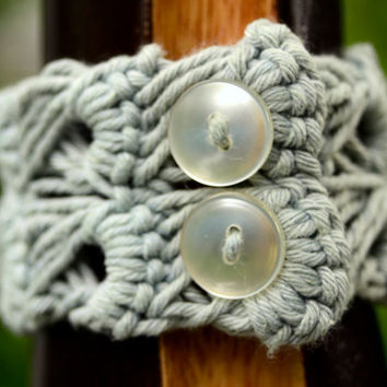 Sage Green Cuff in Cotton Broomstick Lace