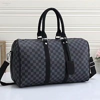 LV LV Louis Vuitton new product full-printed letters men and women large capacity duffel bag Black tartan