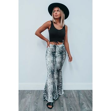Draw Me Closer Cropped Top: Black