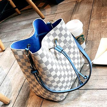 LV 2019 new high quality female models wild fashion shoulder bag handbag White check+blue Internal