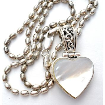 Mother of Pearl Heart Pendant Necklace Milor