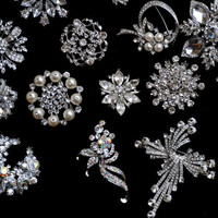 50pcs Rhinestone Brooch Set