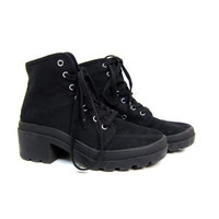 Vintage 90s Black Canvas Boots Lace Up Chunky Heel Ankle Boots Minimal Grunge Hipster Cotton Shoes Boho Hiking Boots Women's size 8.5