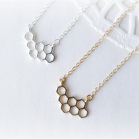 2017 Trendy Jewelry Unique Honeycomb Charm Pendant Cute Honey Comb Honeycomb Necklace For Women