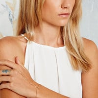 Arrow Hand Chain in Gold - Urban Outfitters