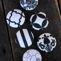 Set of 6 Black and White Ecelectic Mod Knobs by nikkimyers1127