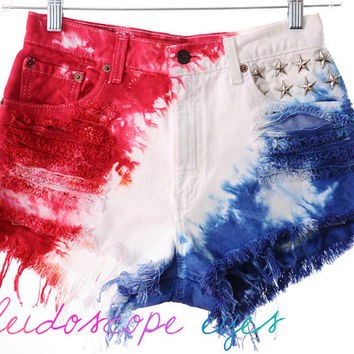 Vintage Levis 4TH OF JULY Studded American Flag Tie Dye Stars & Stripes Cut Off Shorts M