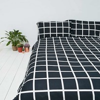 Grid Duvet Set in Black - Urban Outfitters