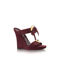 Products by Louis Vuitton: Medallion Wedge Mule